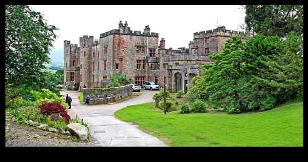 Muncaster castle by crapsnap