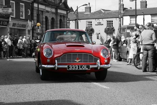 Aston Martin by davetibb