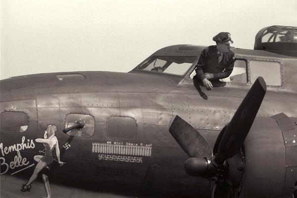 B -17 by darmer