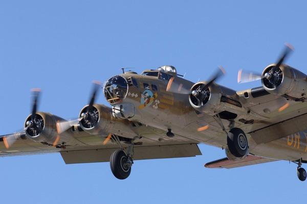 B-17 by darmer