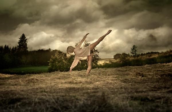sunset ballerina by Uppercut