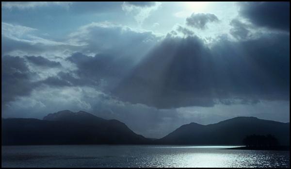 Garbh Bheinn & Loch Leven by Niknut