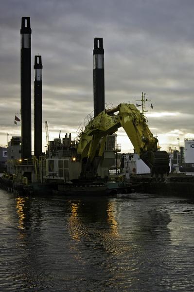 A dredger Aberdeen Harbour by CorporalClegg