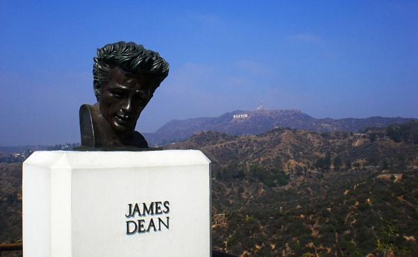 James Dean by notsuigeneris