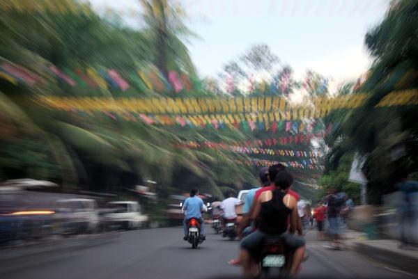 Zooming Down North Road-Cebu by Hamlin