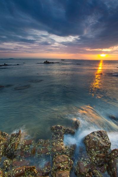 Eastern Sunrise by tugeo
