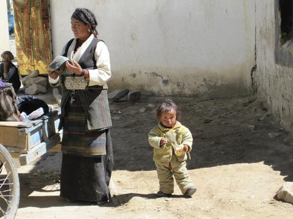 Tibetan mother and child by buntytw26