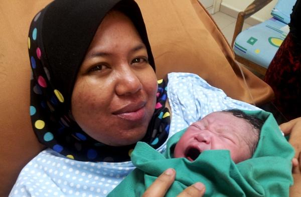 Mama & Hamzah by faizul_md