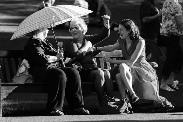 Three ladies chatting / Edinburgh by B_Real