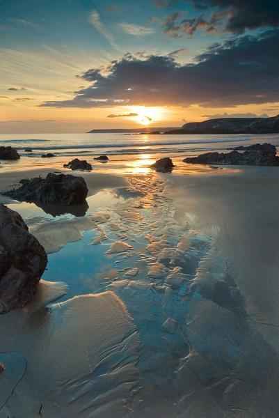 Sand Reflections by ilocke
