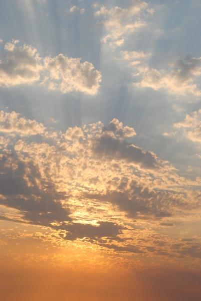 Heavenly Sky tonight by elainebaker