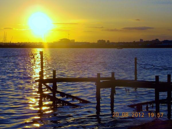 Sandbanks Sunset by sluggyboy