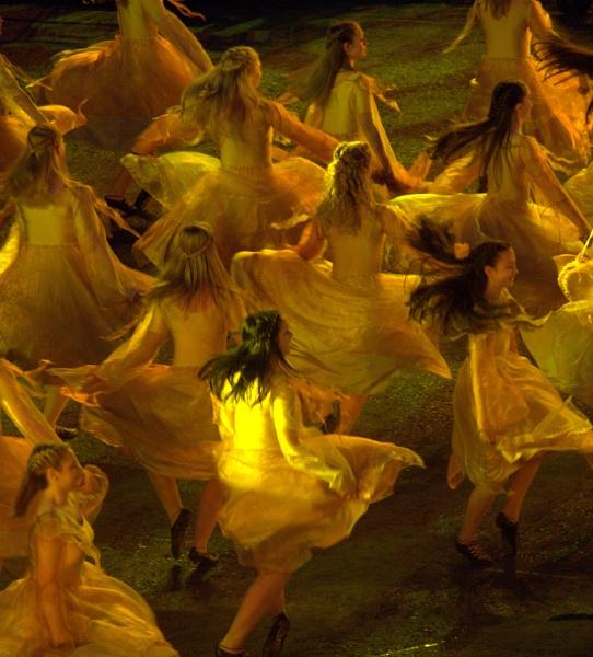 Dancers by Kochalskim