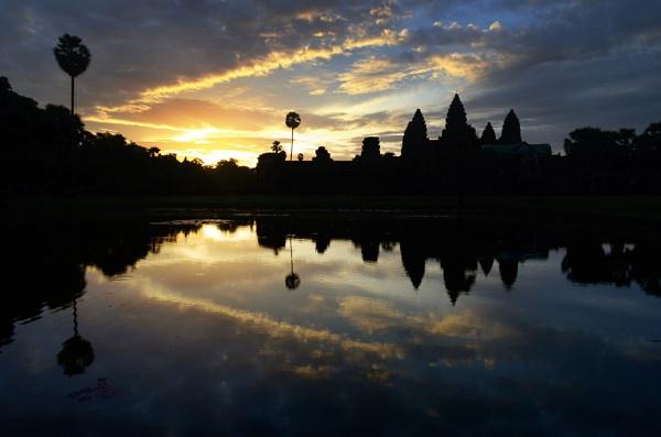 Angkor Wat by millaross