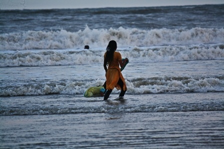 The sea and the child. by PradyothChakraborty