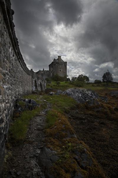 Eilean Donan Castle by canon_stu