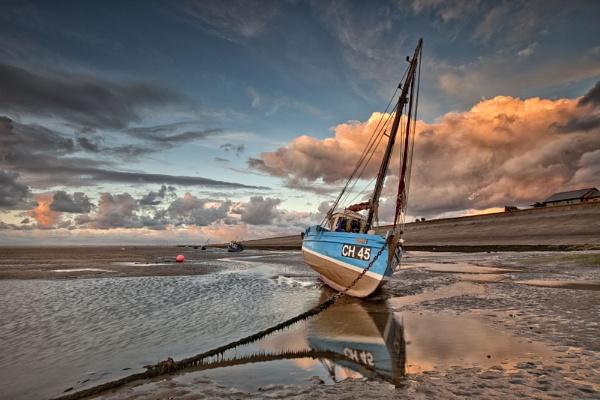MEOLS SHORE ( Boats Grounded ) by razorraymac