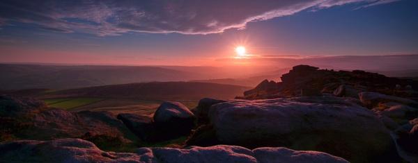 Stanage Edge Sunset by williamthorpe271