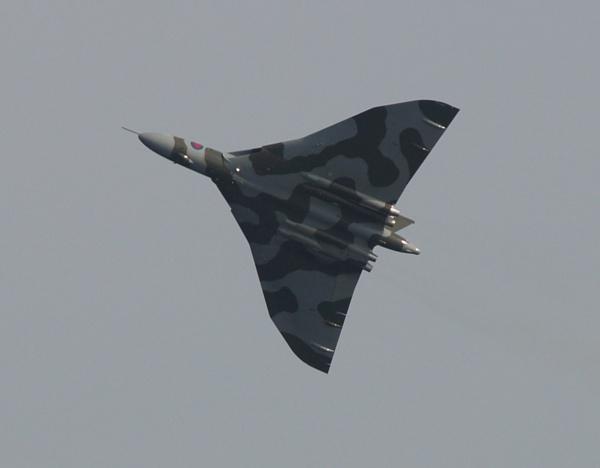 v bomber by raymond18