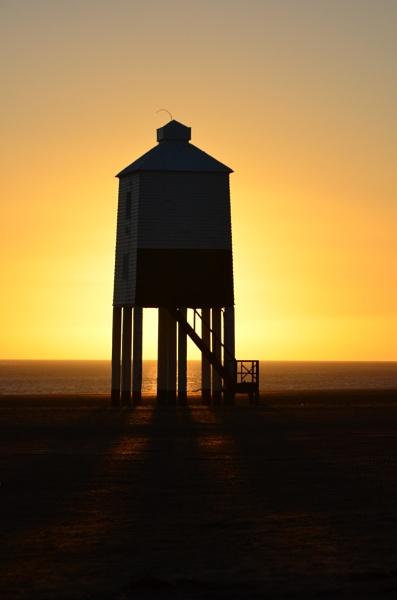 Lighthouse @ Dusk #1 by tony_hoops