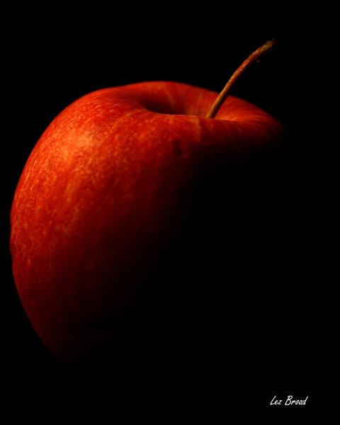Apple eclipse by lez68