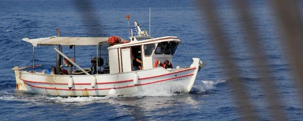 Fishing boat by garganulka