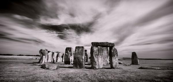 Stone Henge by tonyheps