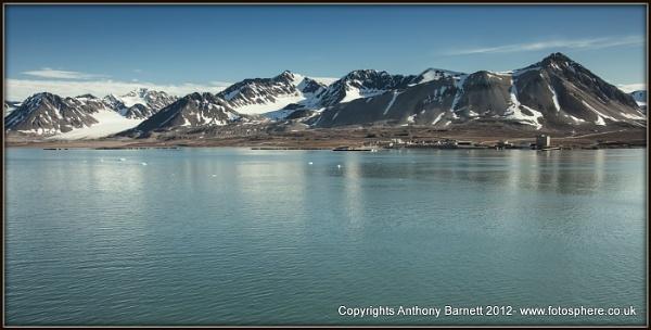 Port  of Ny Alesund- Spitsbergen by fotosphere