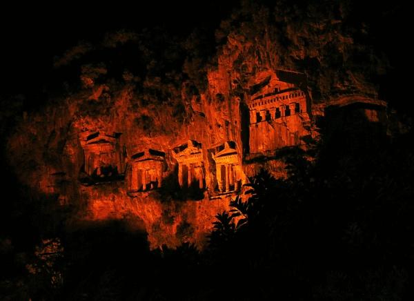 Dalyan Cliff Tombs - Night by Rapido57