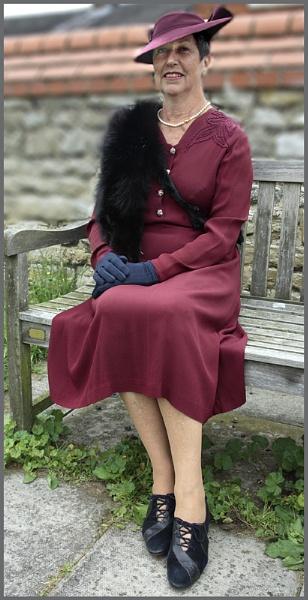 1940s Lady by f8