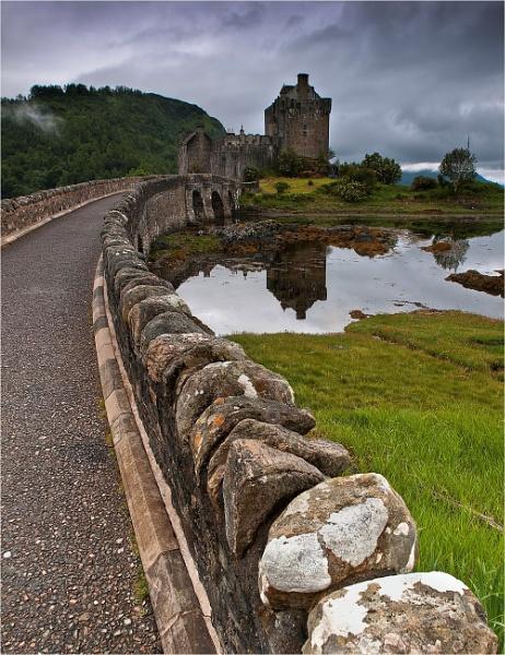 Eilean Donan Castle by bill33