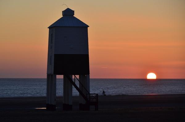 Lighthouse @Dusk #2 by tony_hoops