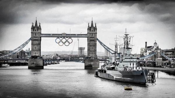 London Bridge by nikonuseruk