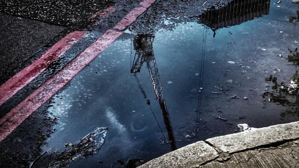 Reflections by nikonuseruk