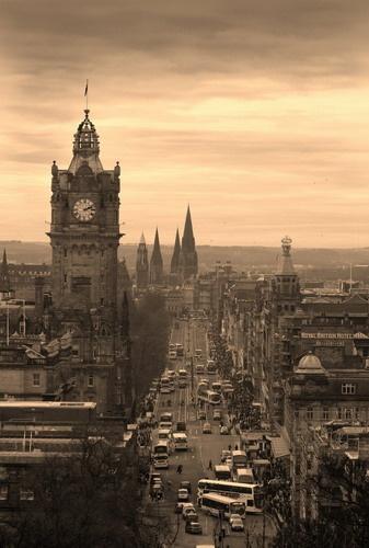 Princes Street, Edinburgh by Eckyboy