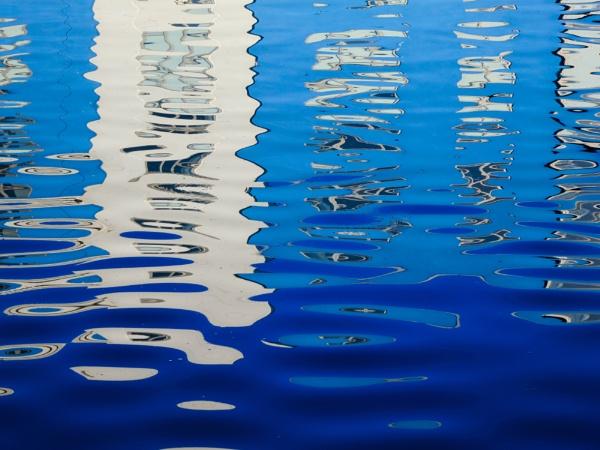 Reflection by JeffreyW