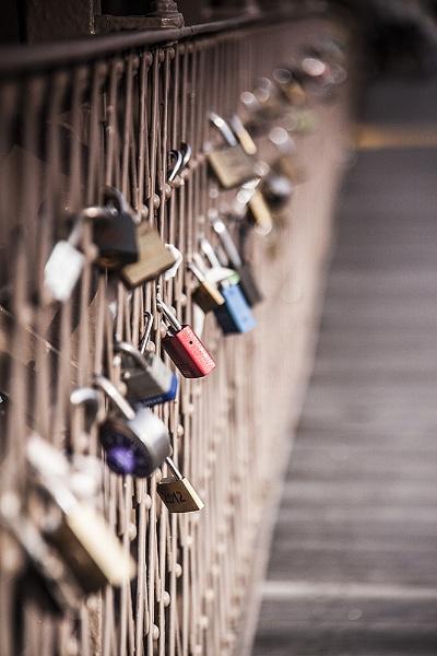 Love Locks of Brooklyn Bridge by guitarman74uk