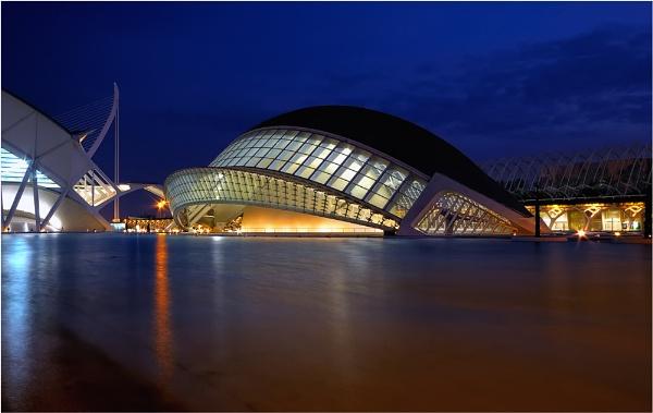 Calatravas L\'Hemisferic by Chant57