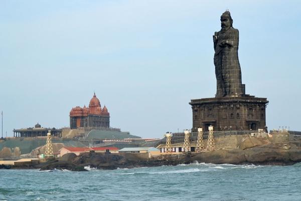 Tiruvalluvar statue in Kanyakumari by apurik_parv