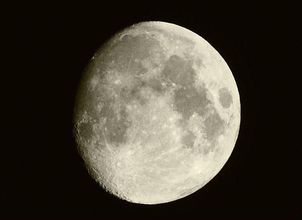 Lunar Moment by j1m1972
