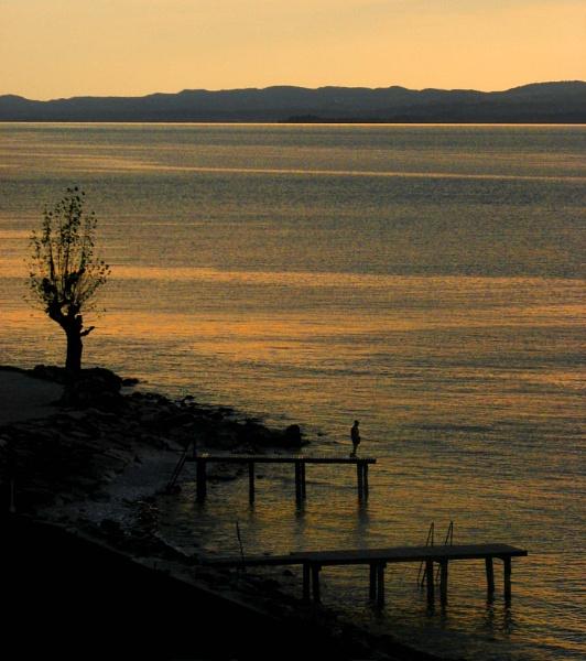 Solitude by dascmor