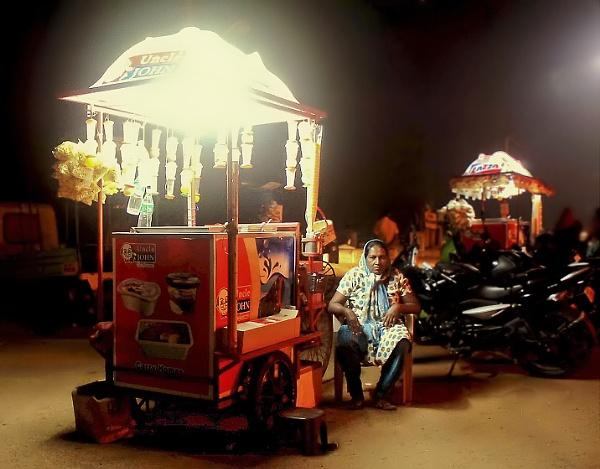 Ice Cream Seller by aravindsudev