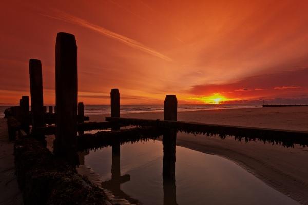 Sunrise pool by Dwaller