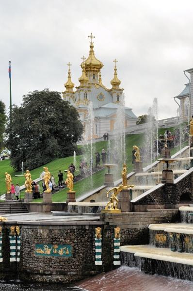 Fountains of Peterhof, St. Petersburg by MoragM