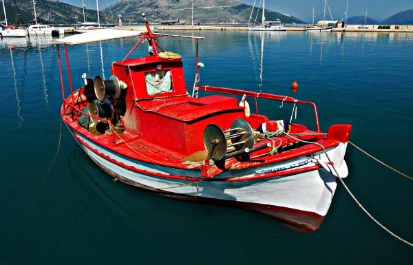 Boat at Sami by notsuigeneris