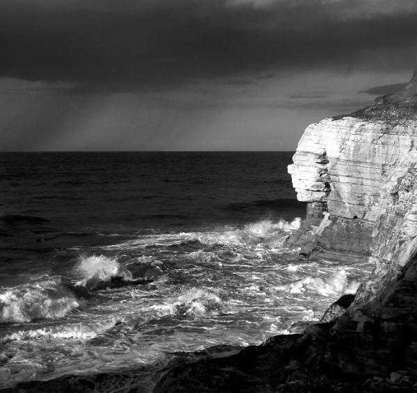 getting stormy by WAKO