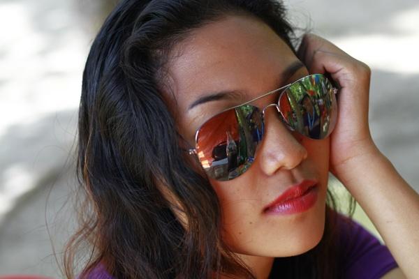 eyeglass girl by auragraphic7dthelightmaster