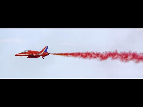 Red arrow by JoHa