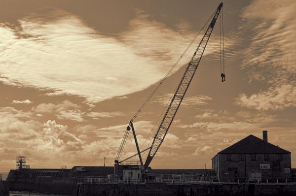 Harbour Crane by P_Morgan