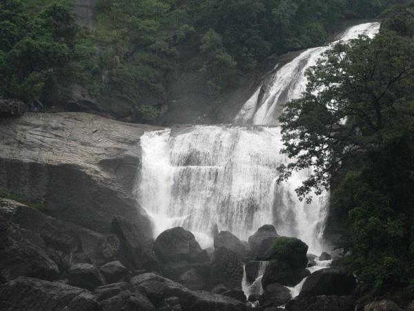 Papanasam Falls by apurik_parv